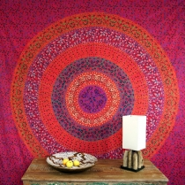 Boho style wall hanging, Indian bedspread Mandala print- red/purp..
