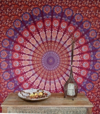 Boho style wall hanging, Indian bedspread mandala print - purple/..